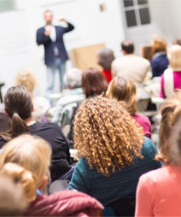 Topluluk Önünde Konuşma Kursu