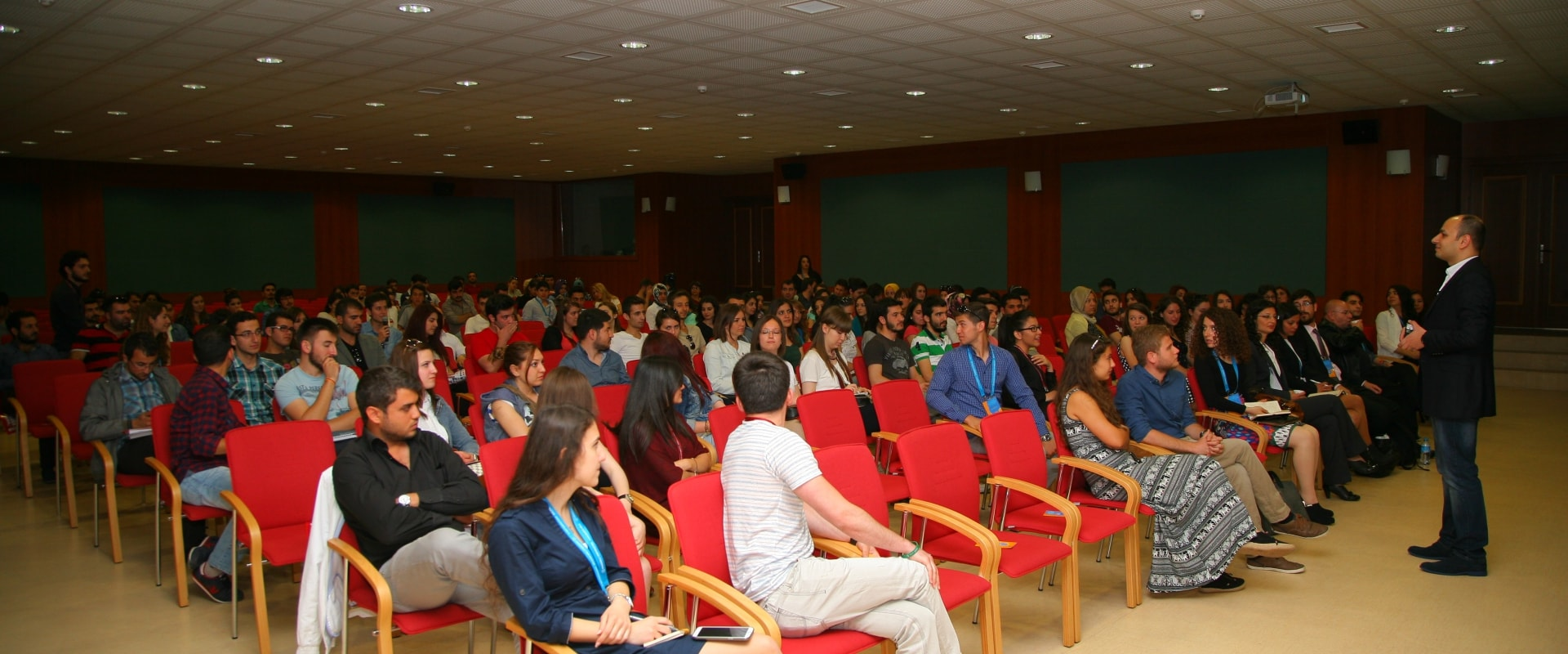 Academy Sertifikalı Üniversite Eğitimleri | Sertifikalı Kariyer, Girişimcilik, İletişim, Kişisel Gelişim Zirvesi